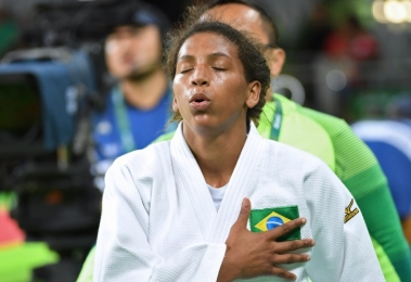 judoca-rafaela-silva-da-primeira-medalha-de-ouro-ao-brasil