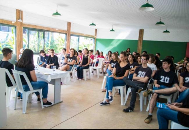 alunos-se-inspiram-em-greta-para-debater-ambiente