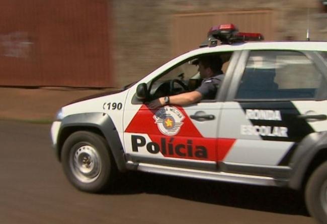 policia-surpreende-menino-de-12-anos-vendendo-crack-e-maconha