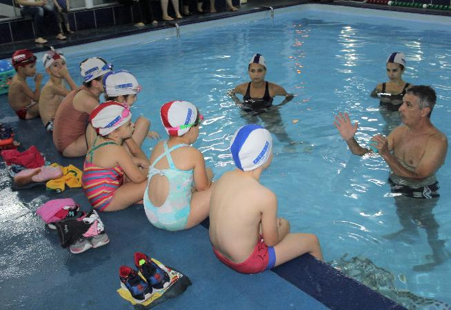 alunos-da-afan-e-bracadas-do-futuro-participam-do-mes-da-seguranca-aquatica