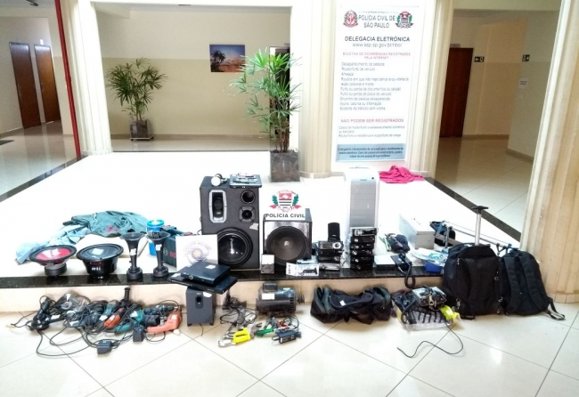 policia-recupera-dezenas-de-produtos-furtados-com-morador-do-eldorado