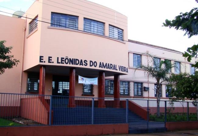 alunos-do-leonidas-sao-flagrados-com-drogas-na-sala-de-aula