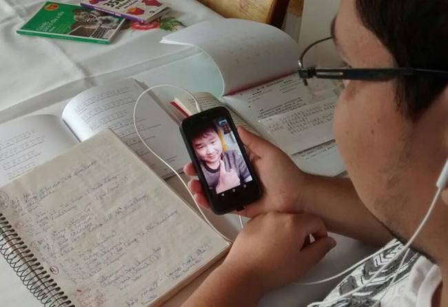 ipaussuense-autodidata-aprendeu-sete-linguas-com-a-ajuda-da-internet