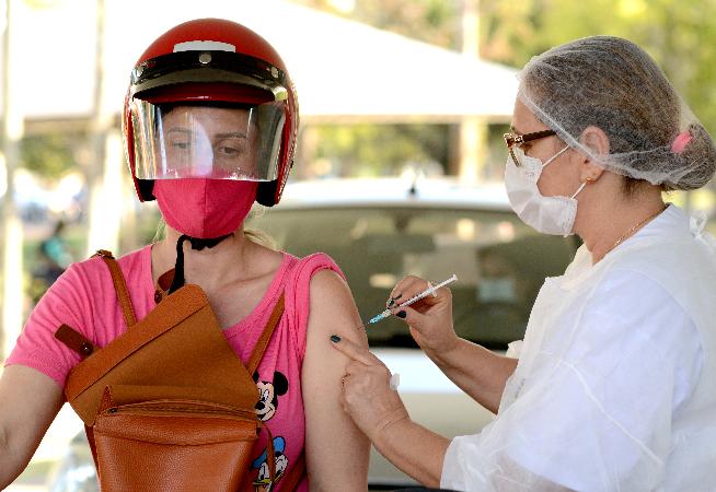vacinacao-entre-jovens-esta-menor-que-o-esperado
